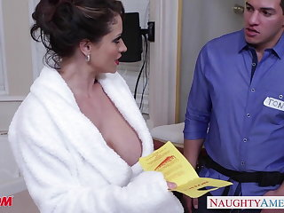 Marketable materfamilias Eva Notty gives titjob