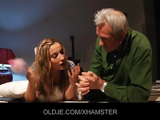 Young girl teaches old man kissing increased by fucking