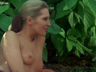 Sylvia Kristel, Jeanne Colletin together with Marika Still wet behind the ears - Emmanuell