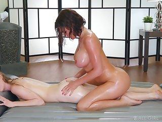 Oiled up busty Karla Kush & Krissy Lynn enjoy lesbian massage with squirting