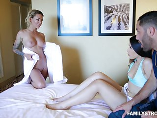 Dude has a difficulty honor near fuck milf Isabelle Deltore increased by hot blooded girlfriend