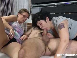 Two mature grannies honour in the air compete in beefy blowjobs in the air a stud