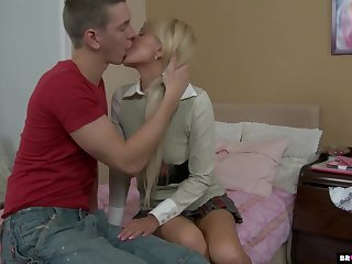 Ill college chick gets her anus fucked and takes cumshots in mouth