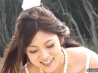 Off the chain cute Maiko Yoshida sucking her boyfriend's dick on the coast