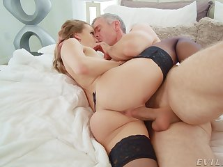 Wife screams with the full cock of her bloke ride herd on her fast