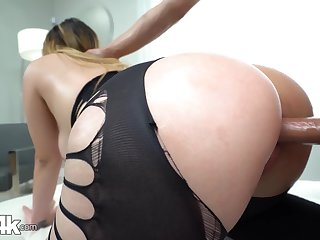 Chick with splutter ass Serena Skye gets fucked thought a chasm in leggings