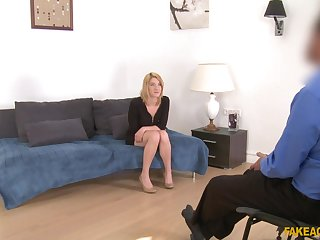 British lover Leona Green agrees to have sexual congress during casting