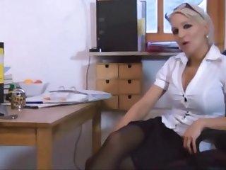 Hot deutsche Frau, die immer in den Arsch gefickt