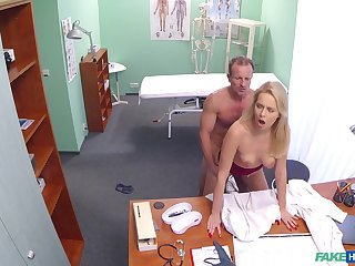 Intense doctor coupled with sexy nurse fucking in the medical clinic