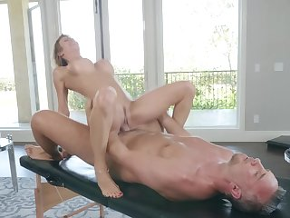Premium milf ends up fucking with be imparted to murder masseur